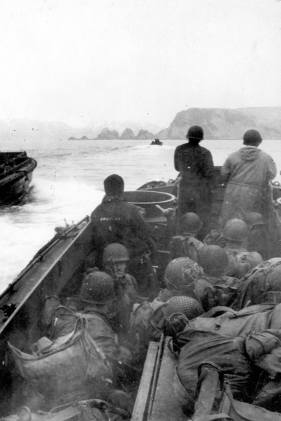 Attu Amphib Invasion LCVP Heading for Beachhead May 43 670 4x6