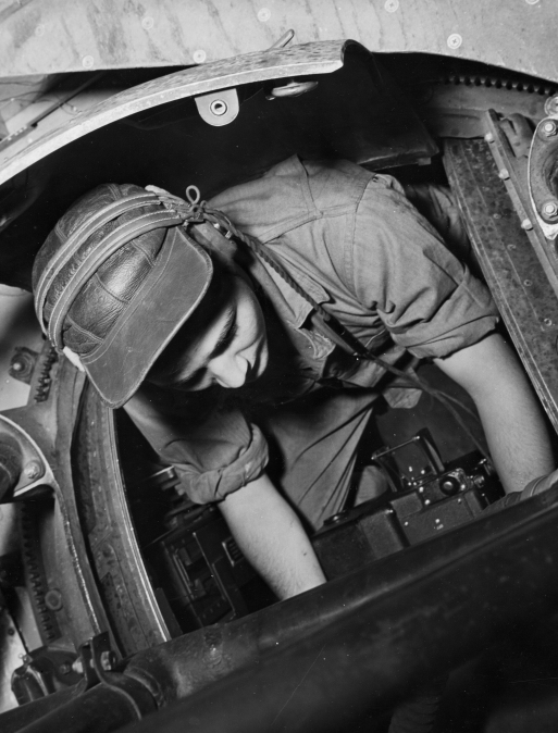 b17 ball turret gunner in flight 1942 australia418