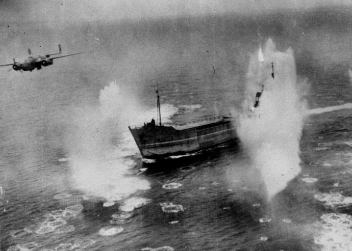 b25 skip bombing tanker842 5x7