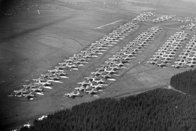 b26 boneyard landsberg germany dec 7 454 4x6