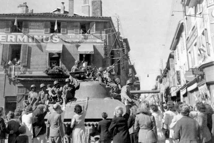45th inf div liberating french town sept 44  4x6