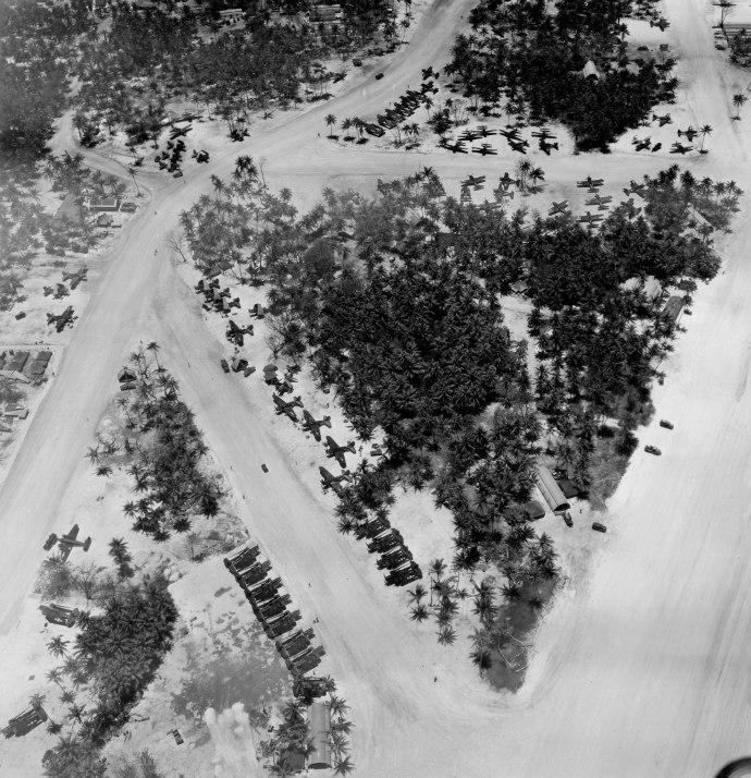 USMC Series WWII MAG-45 vmsb-245 ii Ulithi Atoll 040445 -1