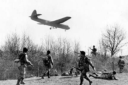 robert capa 17th airborne rhine drop horsa inbound214 4x6