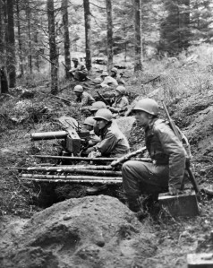 hurtgen forest troops and mmg fall 44173 8x10