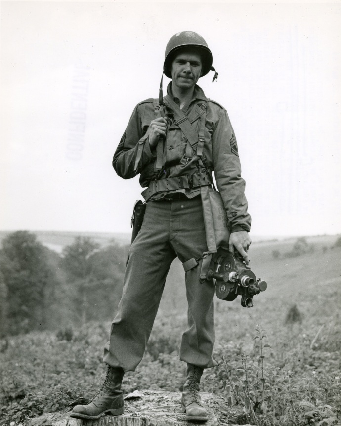 val c pope one of first combat cameramen to land at Normandy seen in france june 44651 8x10