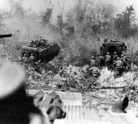800px-M113_Advance_in_Vietnam