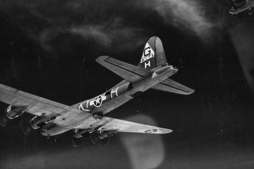 305th bg b17 formation over germany sept 43846