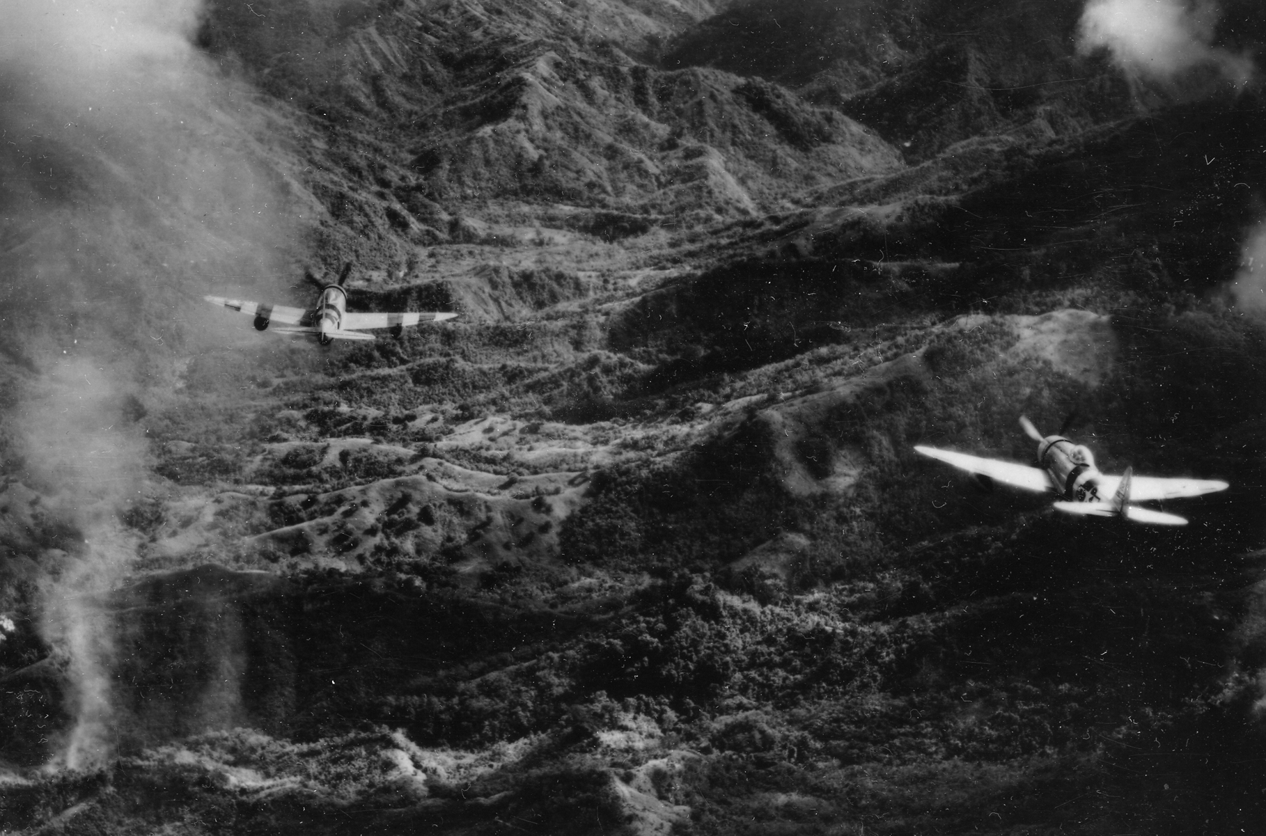 5th af p47 bombing ipo dam area 4x6